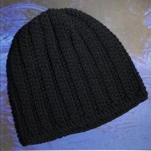 Men's or women's winter beanie hat color black